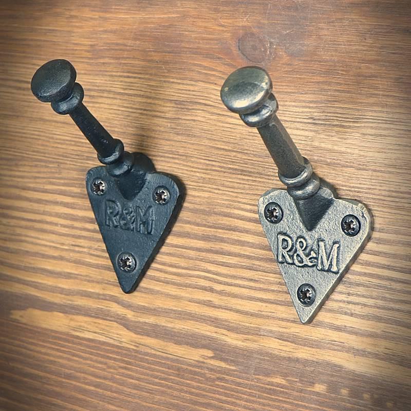 Hanger hook R & M heart