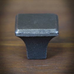 Furniture knob KWADRAT 32mm