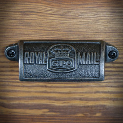 Furniture handle, shell ROYAL MAIL GPO