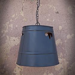 lampamvintage z wiadra