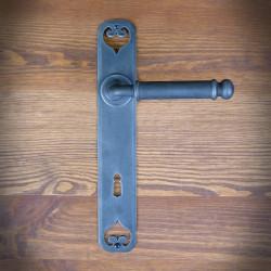 stalowa klamka z szyldem