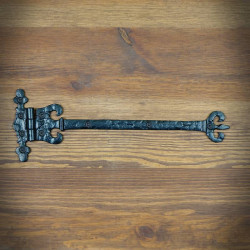 stalowy zawias drzwiowy