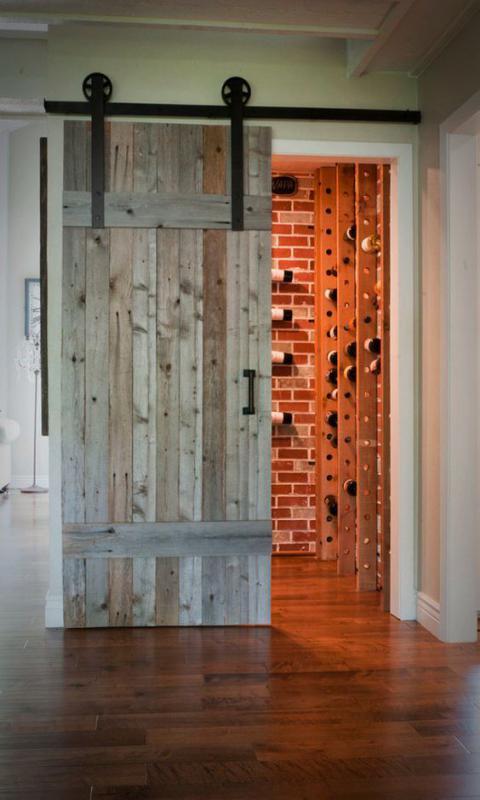 Drzwi w starym stylu na prowadnicach